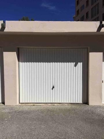 location garage abis83. Black Bedroom Furniture Sets. Home Design Ideas